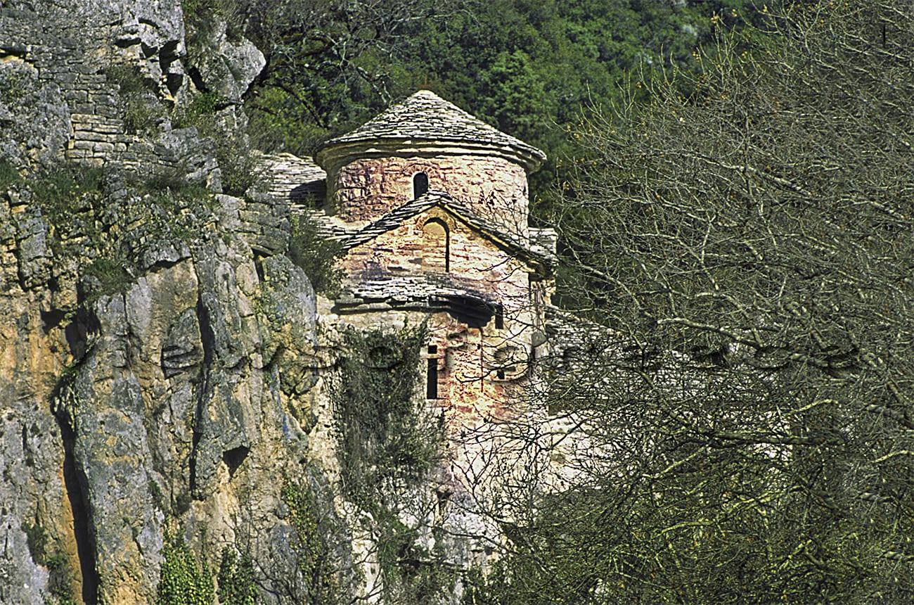 zagori, greece, epirus, architecture, village, papigo, zagorochoria, greek, mountain, aristi, Vikos, Μικρό Μεγάλο Πάπιγκο, φαράγγι Βίκου, δρακολίμνη, Βοϊδομάτης, γεφύρι Κλειδωνιάς, διαδρομές, καγιάκ ράφτινγκ, θέα φαράγγι Βίκου, κολυμπήθρες, εκδρομές