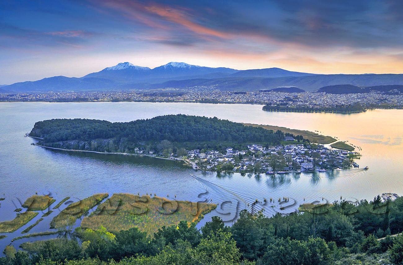 architecture, boat, castle, city, Epirus, giannena, Greece, island, lake, monument, mountain, fisherman Γιάννενα. Γιάννινα, Ελλάδα, Ιωάννινα, ταξίδια
