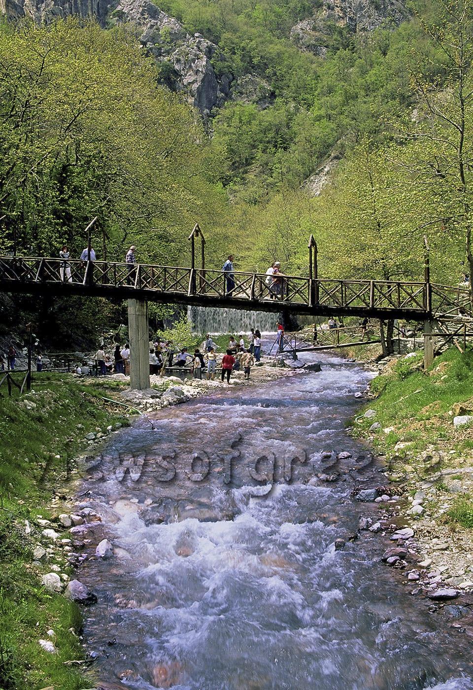 mountain, greece, mt. kaimaktsalan, greek, mt. voras, waterfall, springs, spa, thermal, Καμιμακτσαλάν, Λουτρά Ποζάρ, νομός Πέλλας, Άγιος Αθανάσιος, χιονοδρομικό κέντρο, λίμνη Άγρα, λίμνη Βεγορίτιδα,