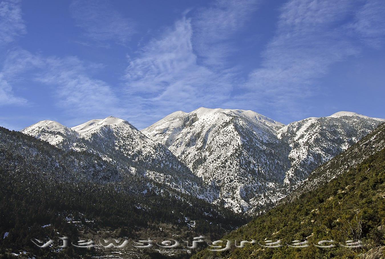 parnonas, peloponnese, mountain, greece, parnon, historical, arcadia. Πελοπόννησος, ορεινή Αρκαδία, Καστάνιτσα, Πραστός, χωριά, Πάρνωνας, δάσος, χιόνι, φθινόπωρο