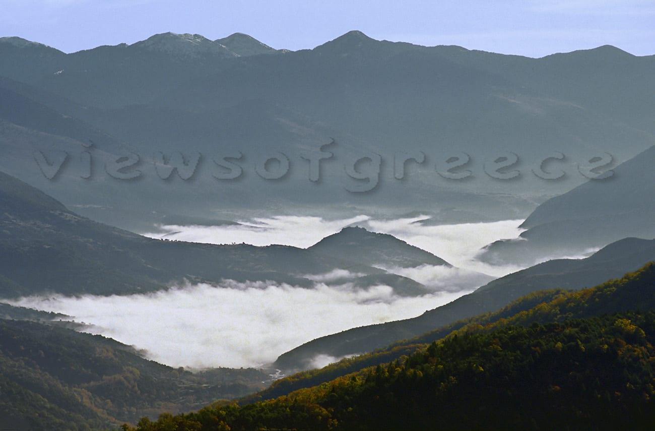 greece, lidoriki, lake, mountain, fokida, dam, mornos, ορεινή Φωκίδα, λίμνη Μόρνου, Λιδορίκι, Κάλλιο, βυθισμένο χωριό, ταξίδι, εκδρομή, διαδρομές, Βαρδούσια, Γκιόνα, Αρτοτίνα, Πενταγιού, Μαρία Πενταγιώτισσα