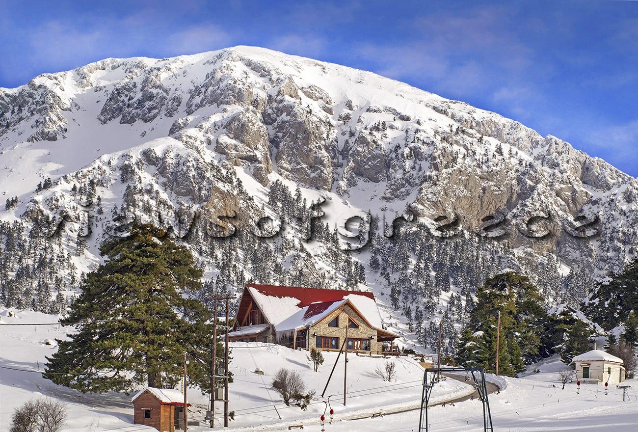 mountain, ziria, winter, snow, greece, peloponnese, destination, korinthia, alpine, frozen, ski, Ζήρια, Τρίκαλα Κορινθίας, χιονοδρομικό κέντρο, σκι, πεζοπορία, λίμνη Δάσιου, χιόνι, καταφύγιο, ιππασία, διαδρομές 4χ4, αποδράσεις, ταξίδια, ορεινά χωριά. Ερμής, Φλαμπουρίτσα,