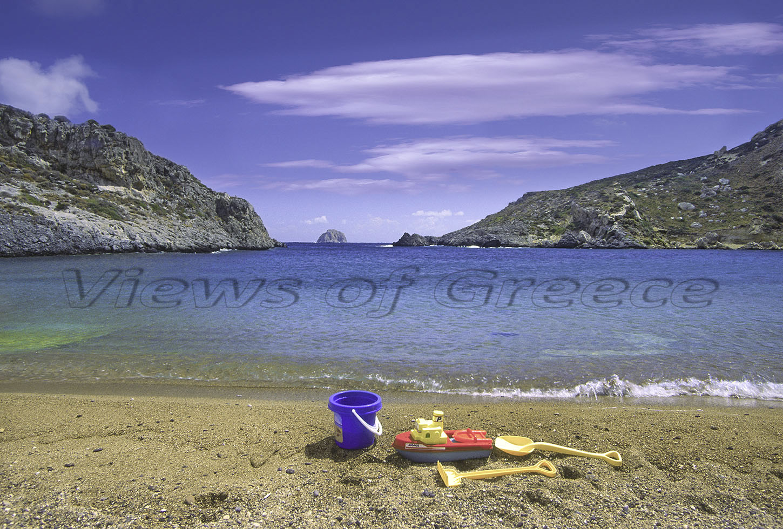 Kythira Κύθηρα. Η παραλία Μελιδόνι